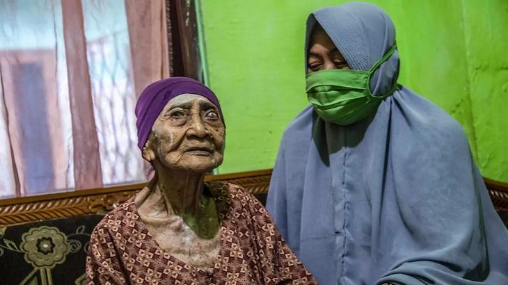 100-year-old Indonesian woman beats coronavirus