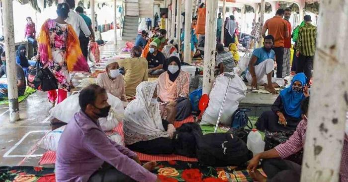 Bhola launch operators ignore health rules