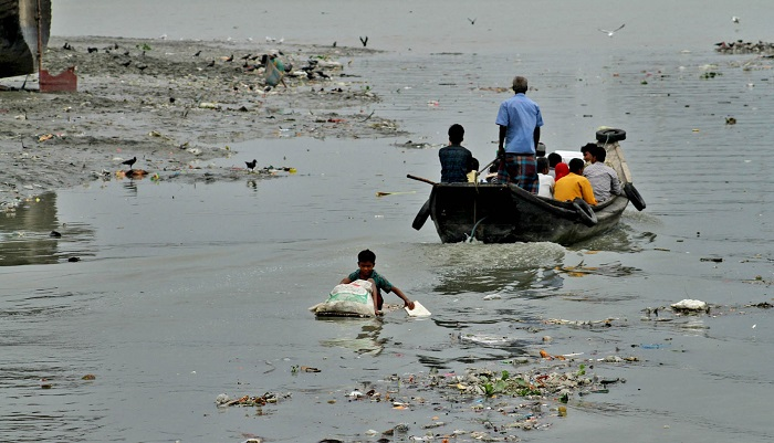 Karnaphuli pollution goes on unabated