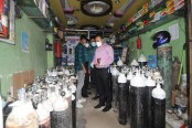 Acute shortage of oxygen cylinders in Chattogram