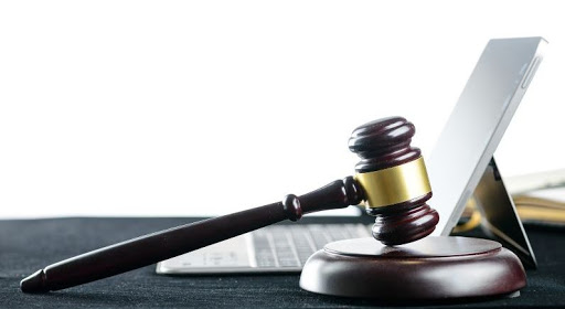 Virtual court throws lawyers into trouble