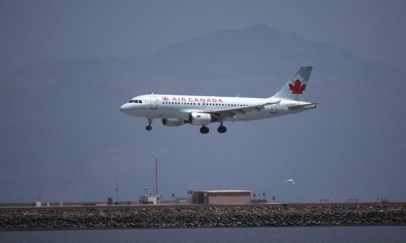 Coronavirus: Canada extends ban on international travellers to July 31