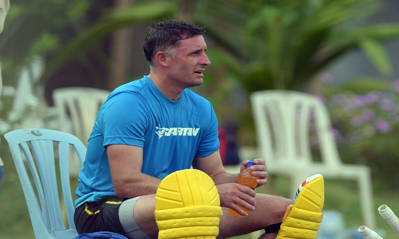 India will face stiff challenge in Australia this summer: Mike Hussey