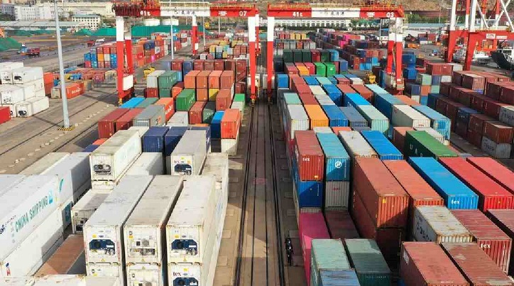 China goods, services trade surplus tops 60b US dollars