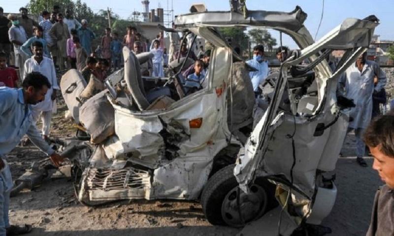 21 Sikh pilgrims killed in deadly Pakistan train crash