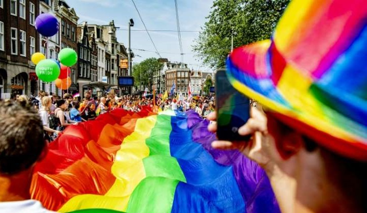 Dutch ID cards will soon omit gender, says minister
