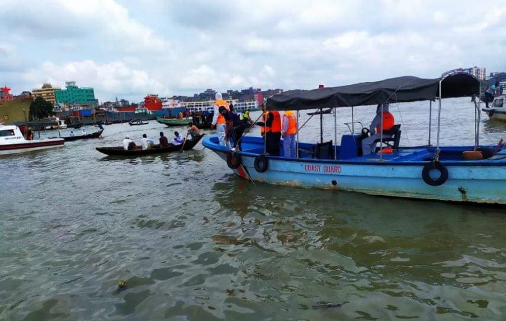 Trawler capsizes after being hit by a launch at Sadarghat, one missing