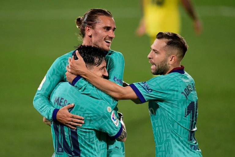Griezmann stars against Villarreal as Barca keep title hopes alive