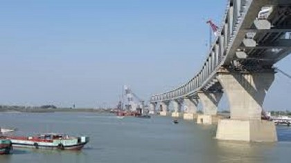 Padma Bridge Construction: Strong current hinders span installation