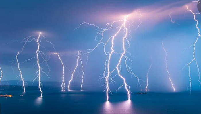 Lightning kills five in three northern districts