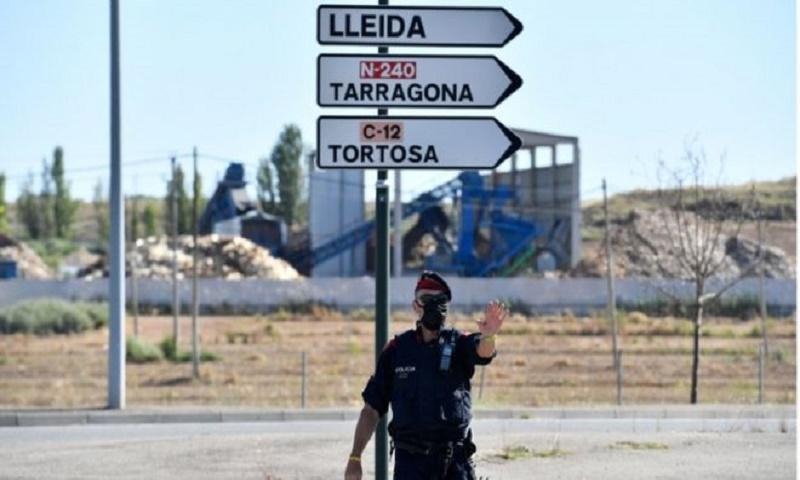 Coronavirus: Catalonia makes masks mandatory in public