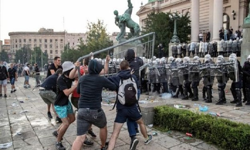 Coronavirus: Serbia scraps curfew plan for Belgrade after protests
