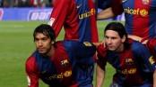 Van Bronckhorst can't imagine Barcelona without Messi