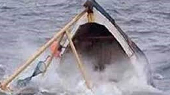 2 workers go missing as boat sinks in Piyan River