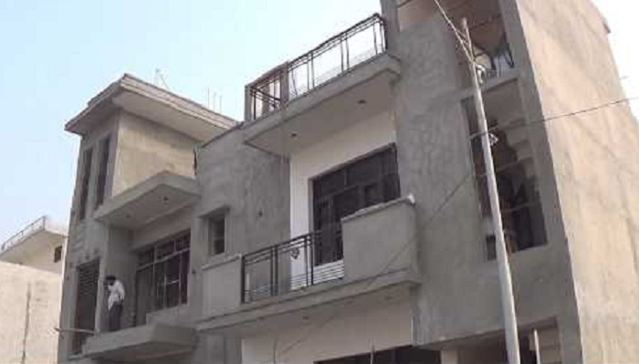Construction of 900 low-cost flats lingering for 14 yrs