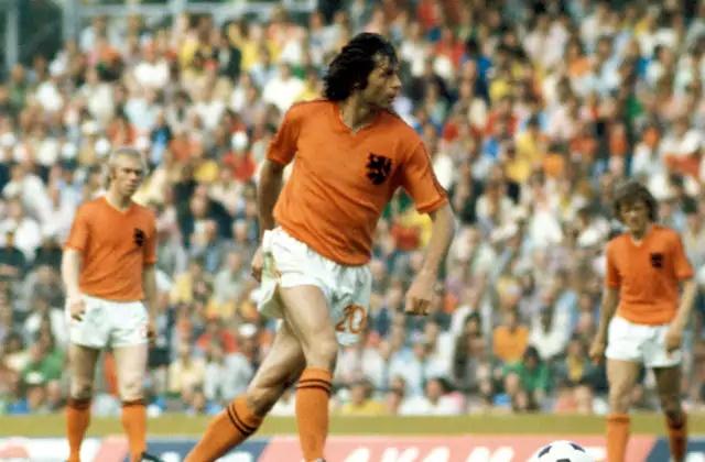 Dutch 70s legend Wim Suurbier dies, aged 75