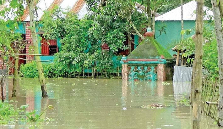 Flooding leaves 3 lakh marooned in Brahmaputra basin