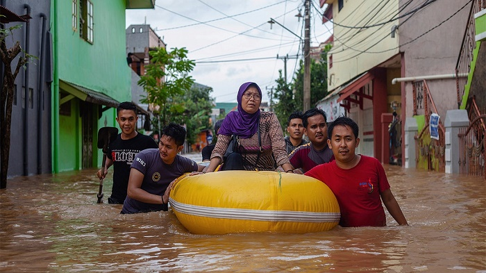 15 dead in Indonesia flash flood (updated)
