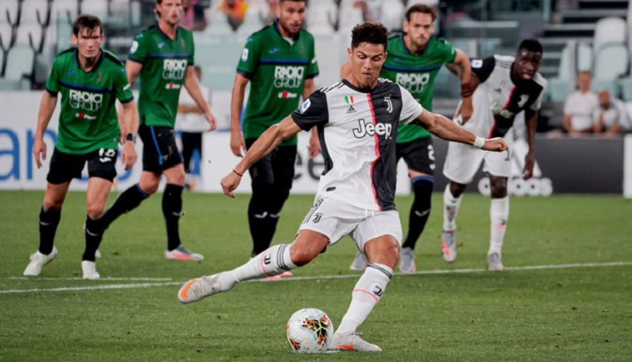 Juventus seven points clear after dramatic Sassuolo draw