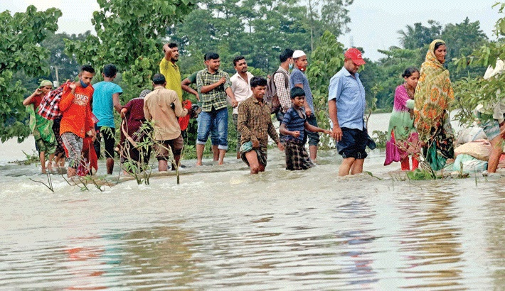 Flooding in country: People cry for food, drinking water