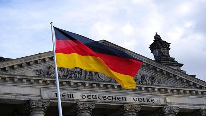 German business morale ticks up again