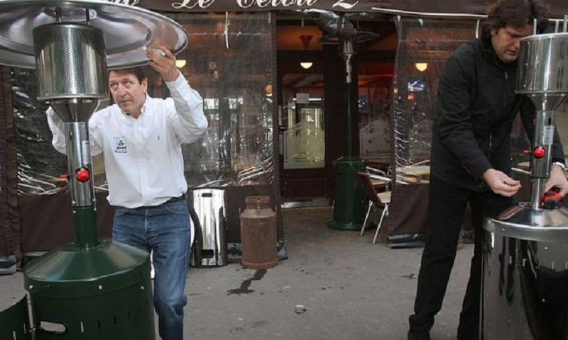 France to ban heated terraces in cafes and bars