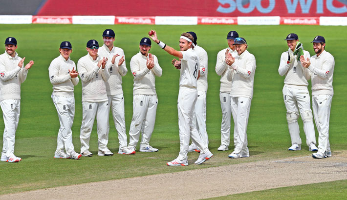 Broad joins elite 500-wicket club