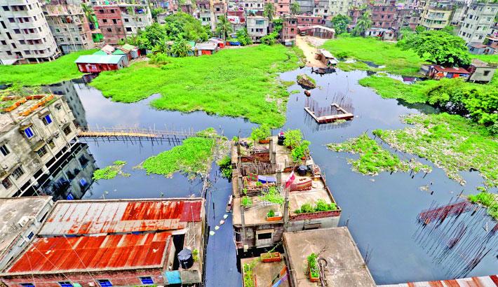 Dhaka faces flood threat