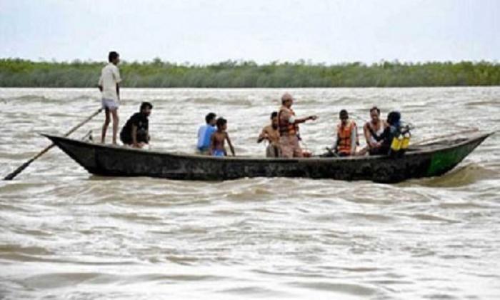 Three die in Jamalpur boat capsize