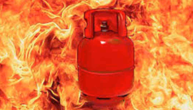 Balloon vendor killed in Rajshahi gas cylinder blast