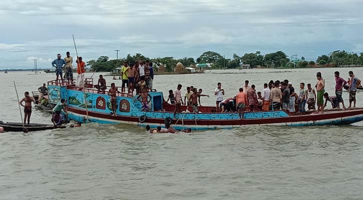17 killed as trawler capsizes in Netrokona