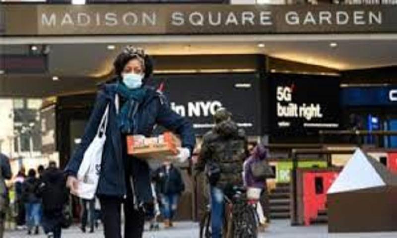 Global coronavirus death toll climbs to 704,365
