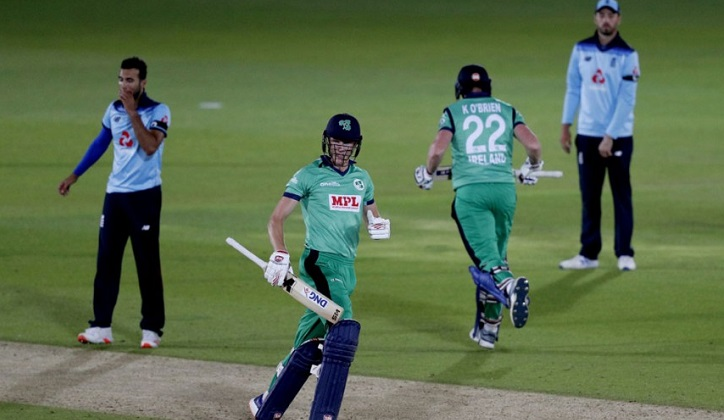 Ireland beat cricket world champions England in 3rd ODI