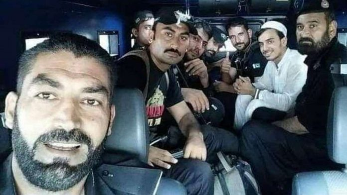 After lawyers, Pakistan elite police squad poses for selfie with killer of blasphemy accused
