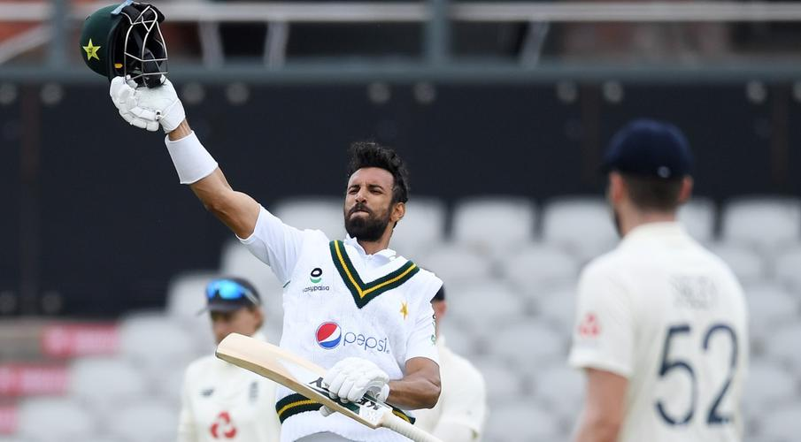 England collapse after Masood century puts Pakistan on top