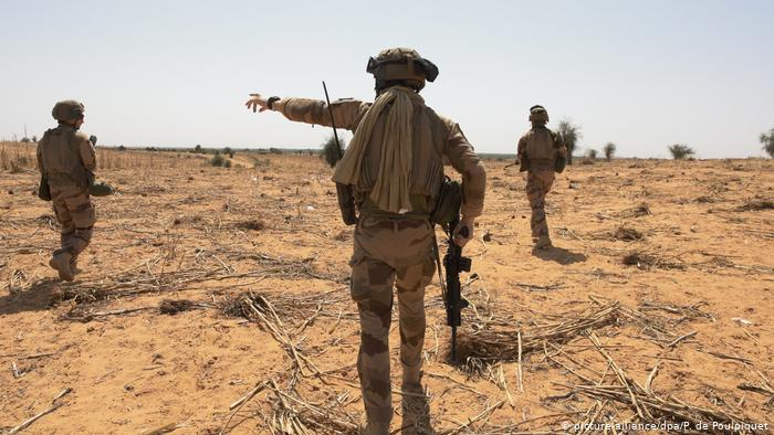 Gunmen kill 8 in Niger, including six French aid workers