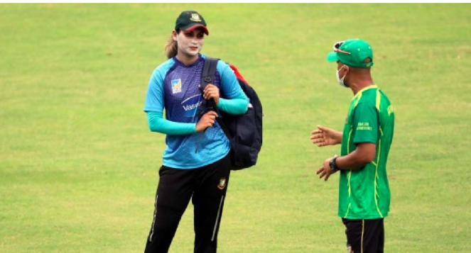 Women cricketers join individual training programme