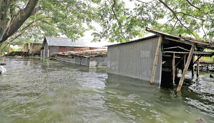 Man-made factors prolong flooding: Experts