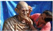 Indian independence hero Gandhi's iconic glasses go on sale in UK