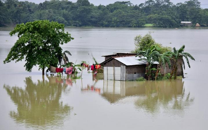 Fresh flood may hit as river water rising