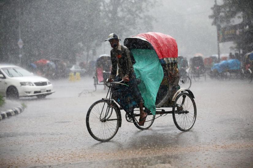 Light to moderate rain across country