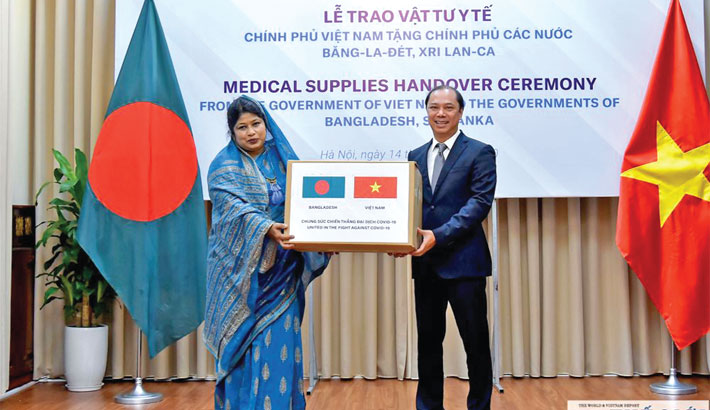 Vietnam provides medical supplies for Bangladesh