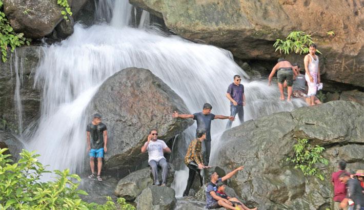 Tourism springs to life