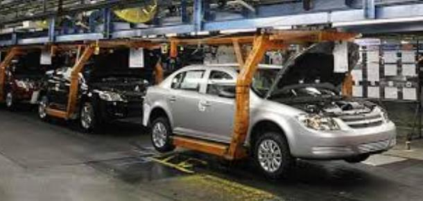 India's auto sales expected to decline by 30pc: Moody's
