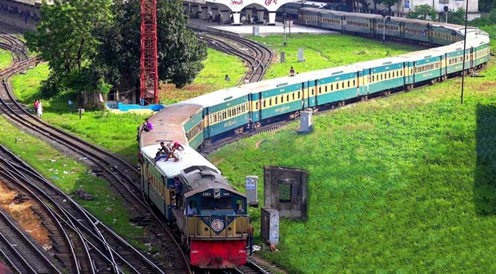 Dhaka's rail link with Sylhet resumes after 4hrs