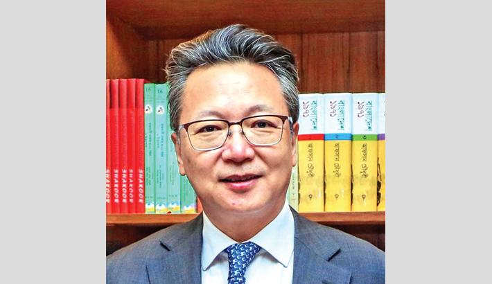 China's Spirit of Combating COVID-19 Pandemic