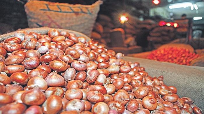 Onion price declining on govt move
