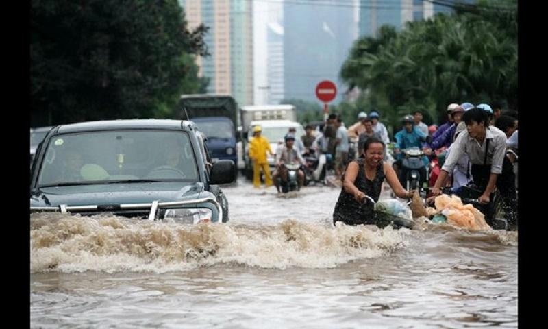 Typhoon kills 3 in central Vietnam