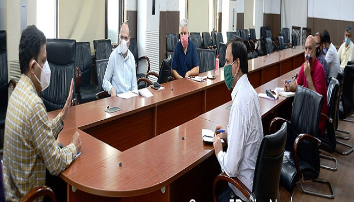 Jan Abhiyan: Divisional Commissioner listens to people's grievances