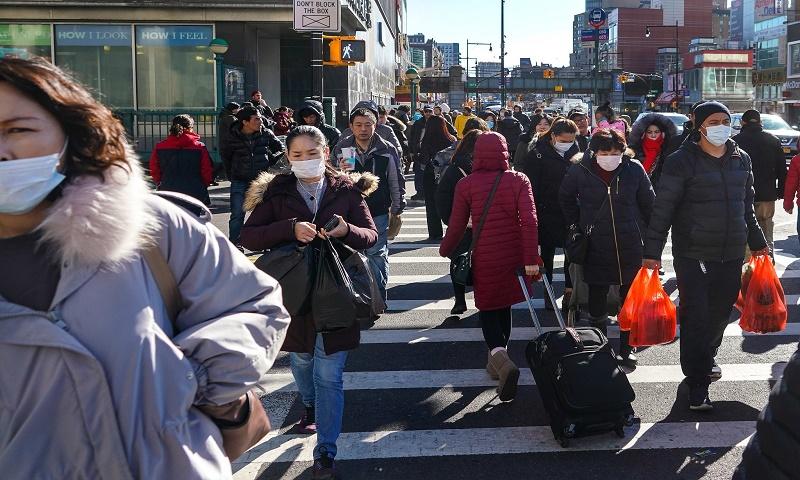 Coronavirus: Global death toll climbs to 981,967